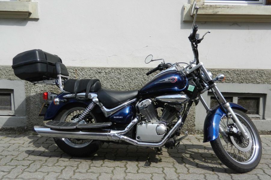 Part. vend super SUZUKI 125 VL Intruder