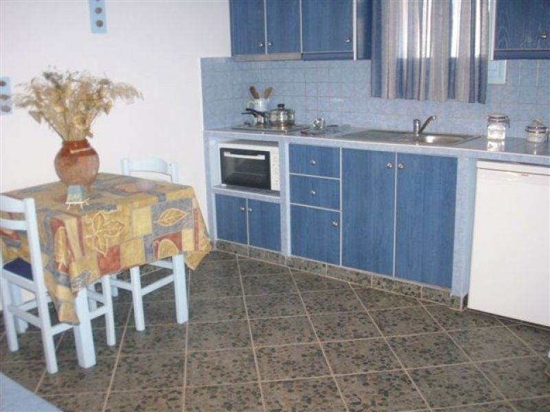 Greece Cyclades island of Milos rent  rooms , studio , apartment