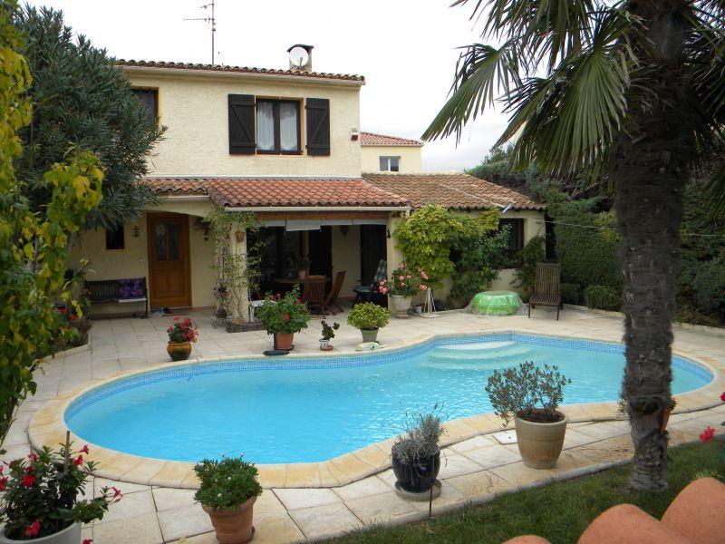 Mauguio villa f5 122m avec piscine for Piscine mauguio