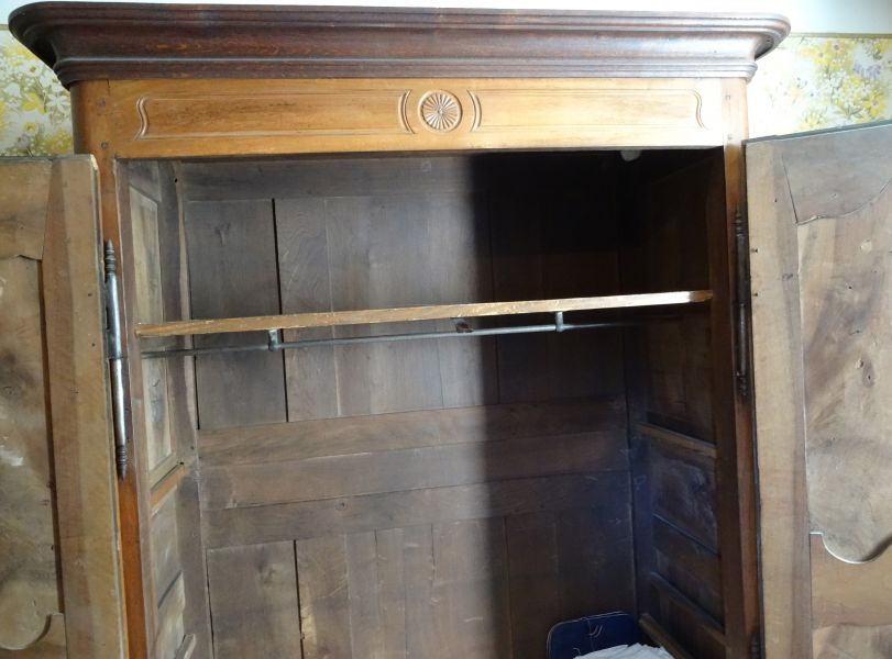 Armoire ancienne grand volume