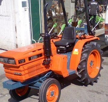 micro tracteur kubota 21cv 4 rm 3 cylindres. Black Bedroom Furniture Sets. Home Design Ideas