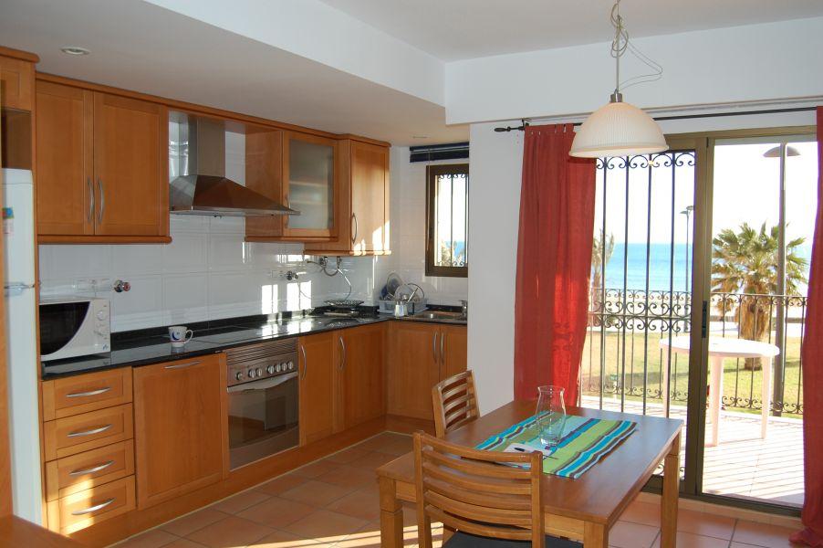 valencia espagne appartement a louer en 1 re ligne de plage. Black Bedroom Furniture Sets. Home Design Ideas