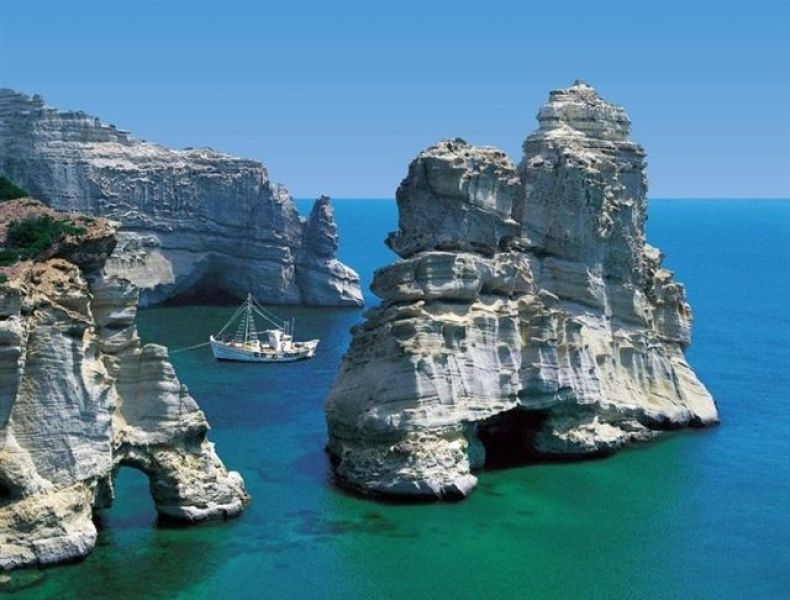 Greece cyclades island Milos rent studio apartment