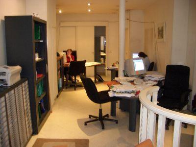 loue bureau 52m2 rue de moscou 75008 loyer mois. Black Bedroom Furniture Sets. Home Design Ideas