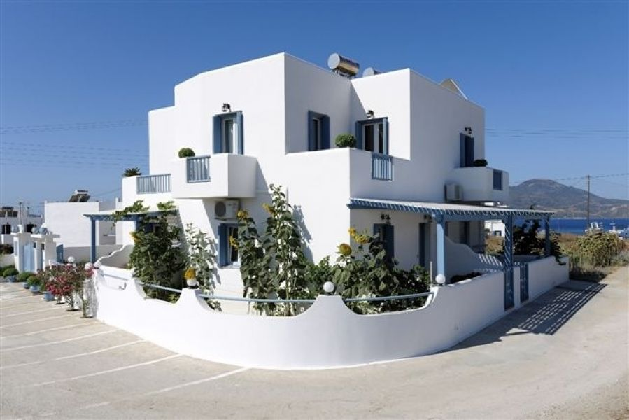 Greece Cyclades island of Milos rent studio/apartment /villa